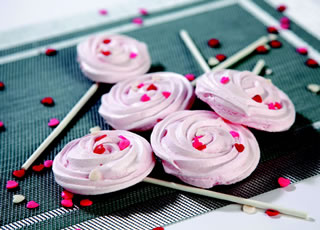 Raspberry Meringue Rosettes Recipe